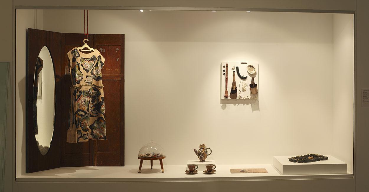 Toni Warburton, Artist. Where we know: Toni Warburton Peter Cooley, Wollongong City Gallery, 2009