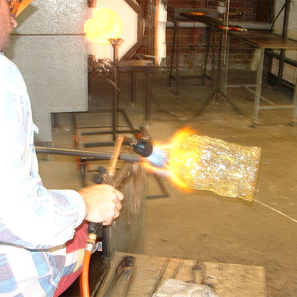 Means of production - Hot glass mould blowing